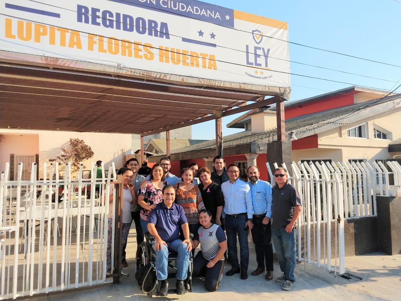 Lupita Flores Huerta inaugura módulo de atención ciudadana