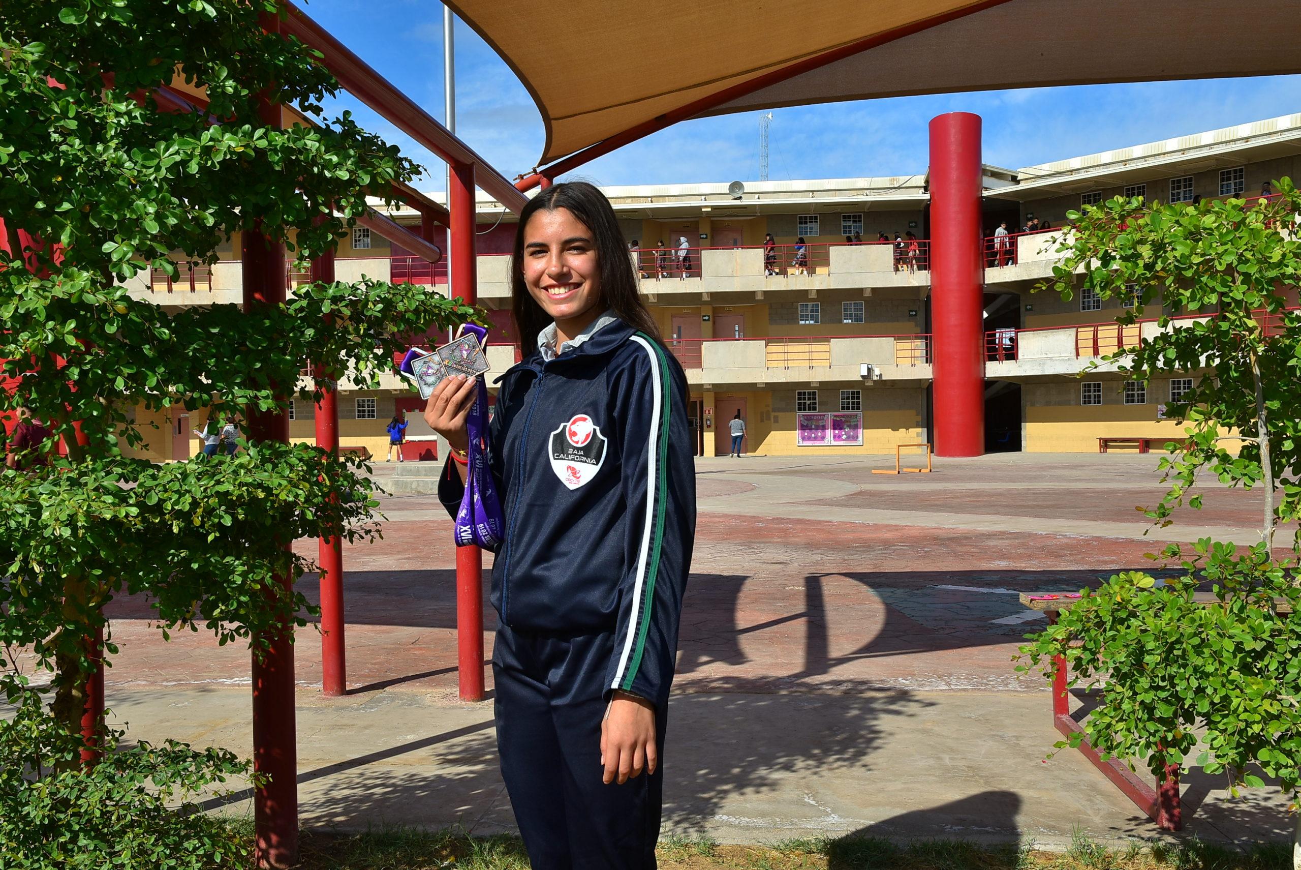 Destaca alumna de CECyTE en atletismo