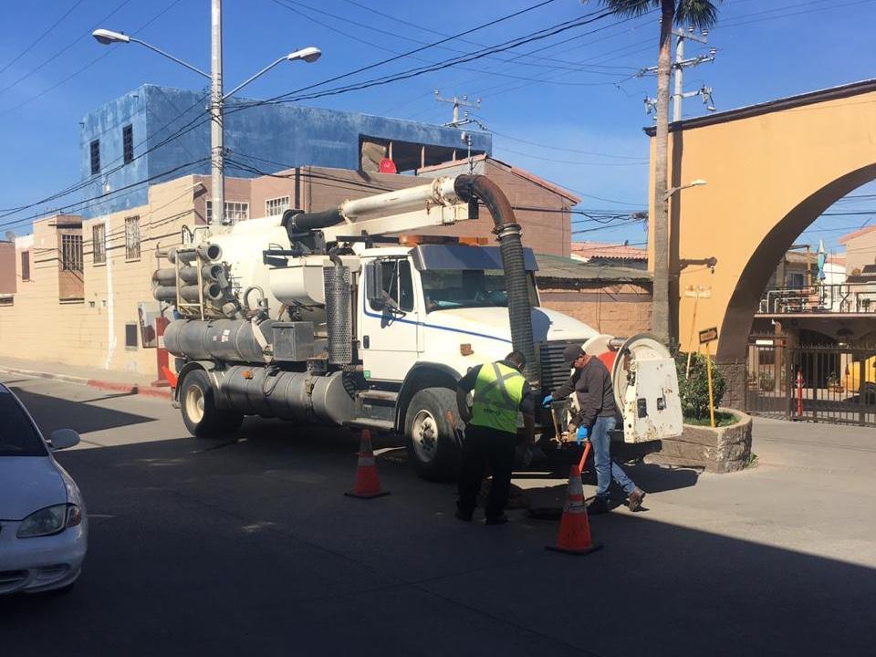 Resuelven problema de azolve en Camino Viejo
