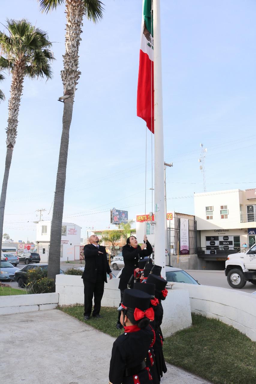 Realizan Acto Cívico Conmemorativo al 103 Aniversario de la Constitución Mexicana