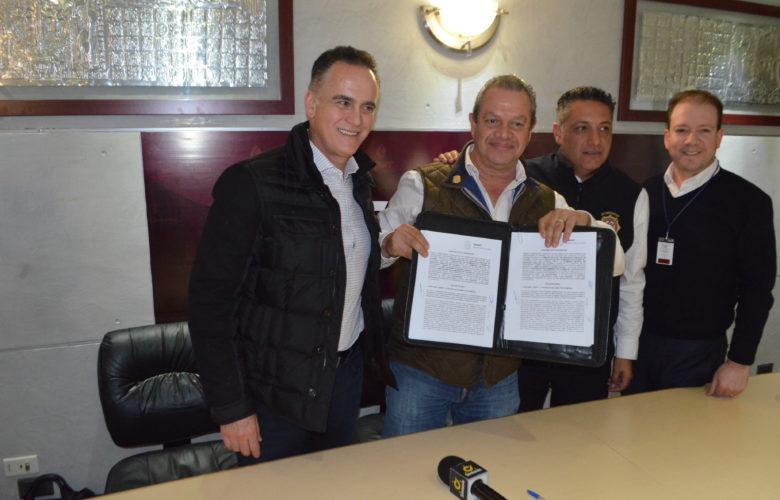 Renueva convenio CESPT en apoyo a noble labor de bomberos Tijuana