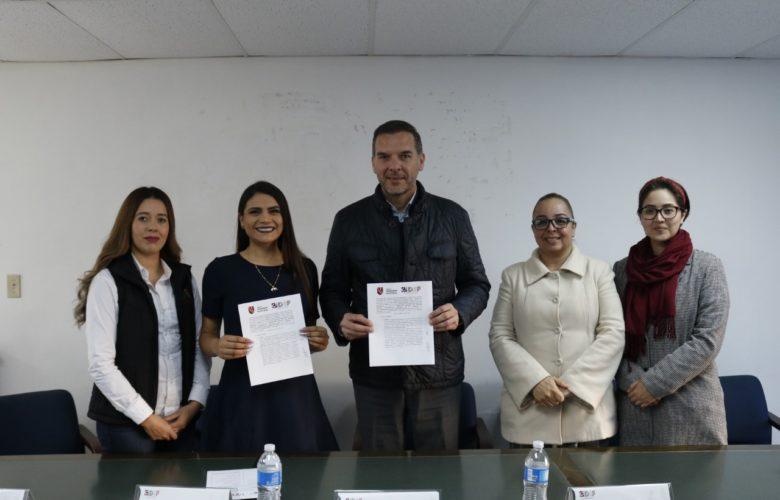Firma DIF Municipal convenio de colaboración con Universidad Nueva Baja