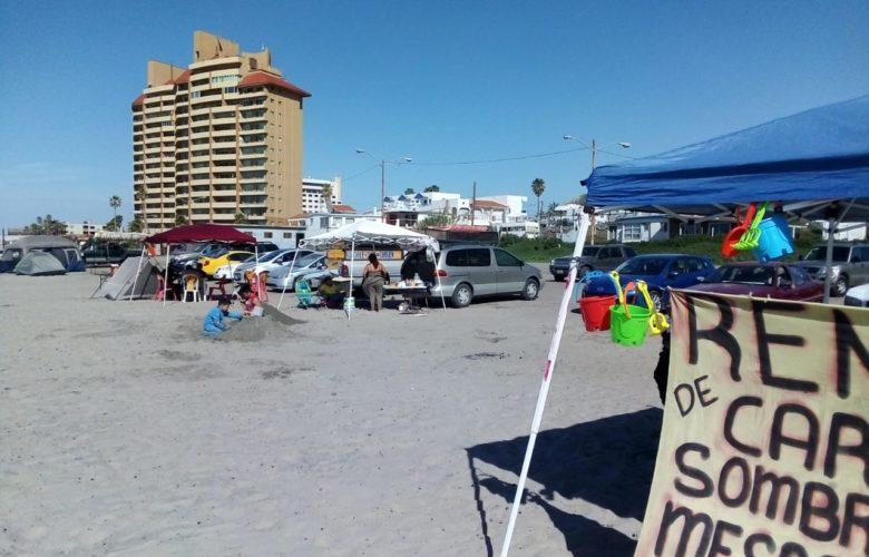 """Van contra vendedores """"golondrinas"""" en las playas de Rosarito"""