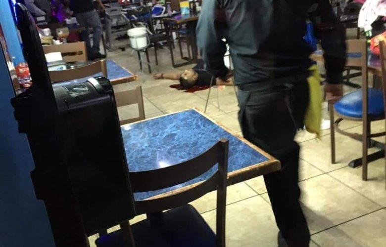 Balean a pareja en restaurante de mariscos en Zona Río