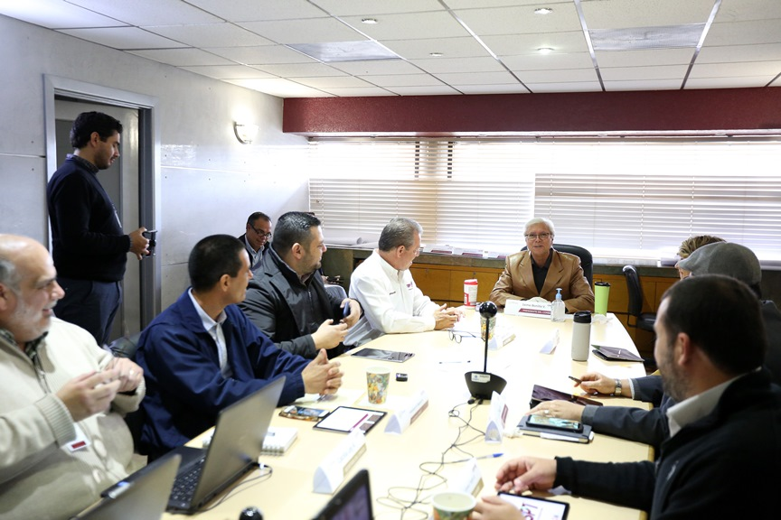 """Gobernador Bonilla cumplirá su compromiso de """"no más descargas de aguas negras al mar"""""""