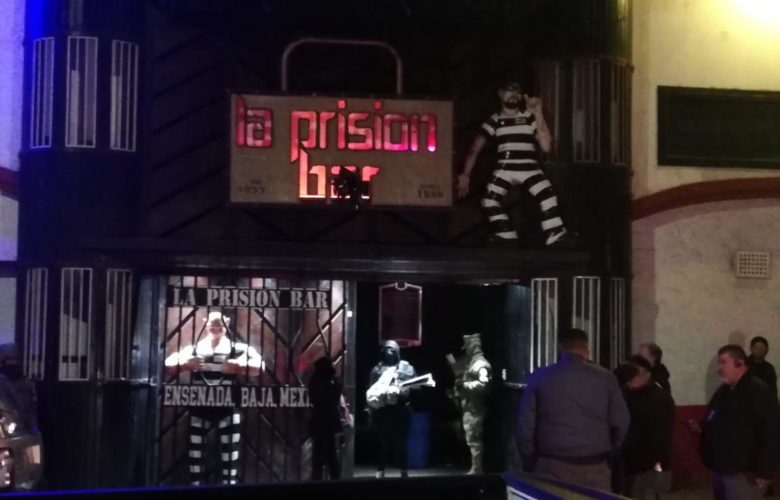 Detienen a 4 con cocaína en cateo de bar en Ensenada