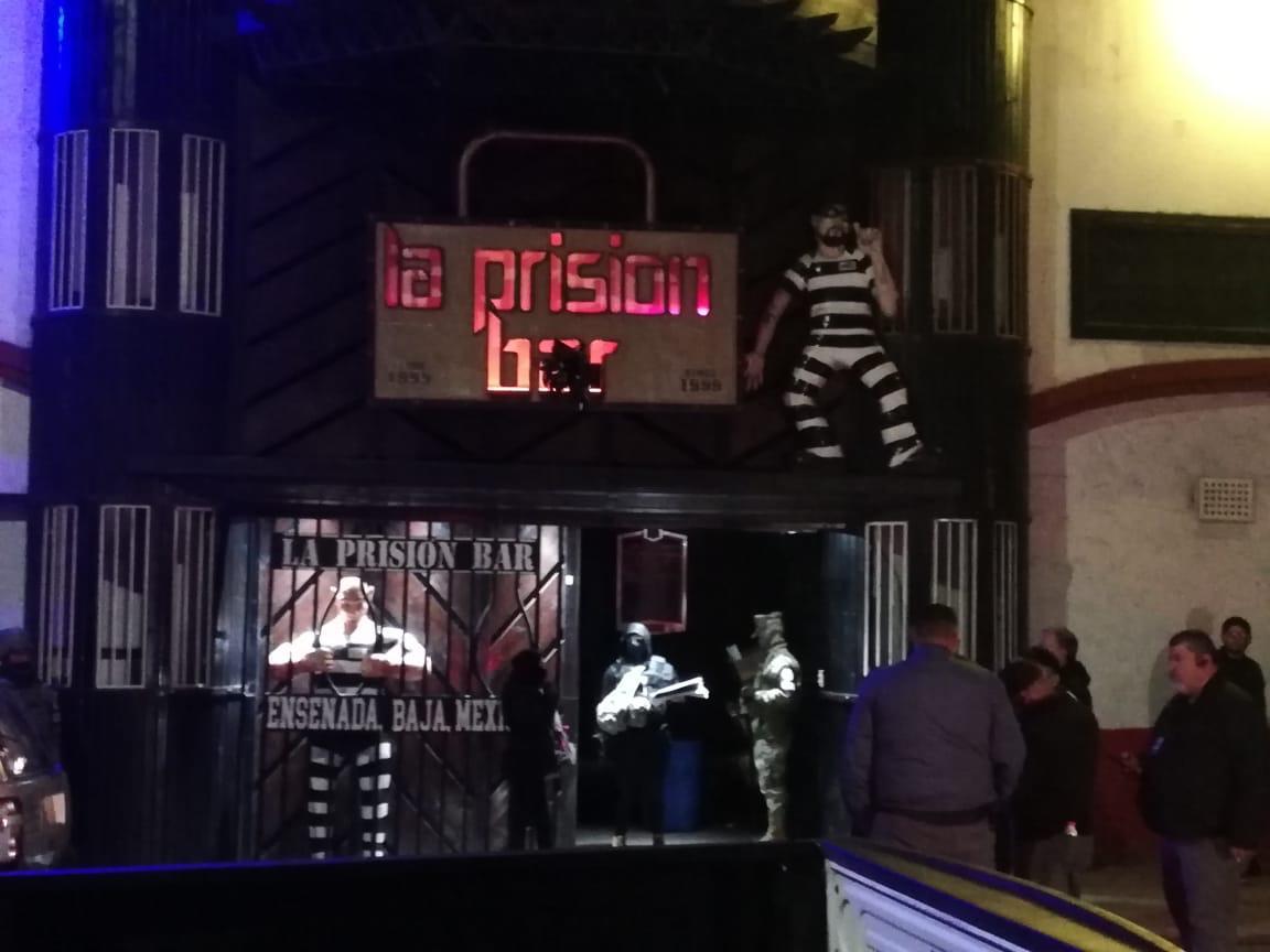 Detienen a 4 con cocaína en cateo de bar en Ensenada