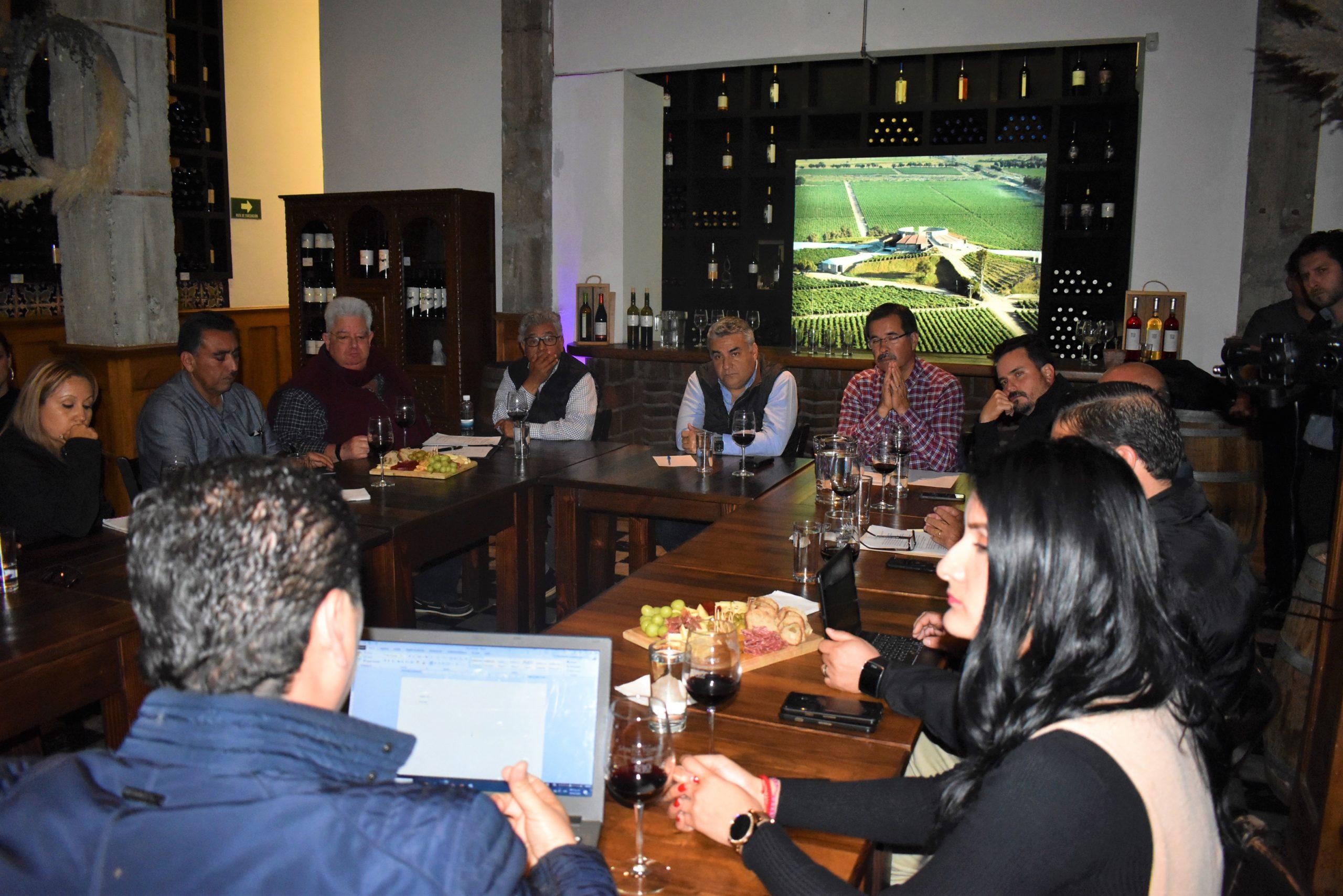Apoyar a los Vitivinicultores de Ensenada con Una Visión Integral de su Problemática: Alejandro Ruiz Uribe