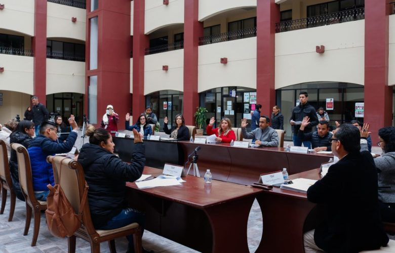 DA CUMPLIMIENTO EL VIII AYUNTAMIENTO A MANDATO JUDICIAL CON TRANSFERENCIA DE PERMISOS DEL TRANSPORTE PÚBLICO