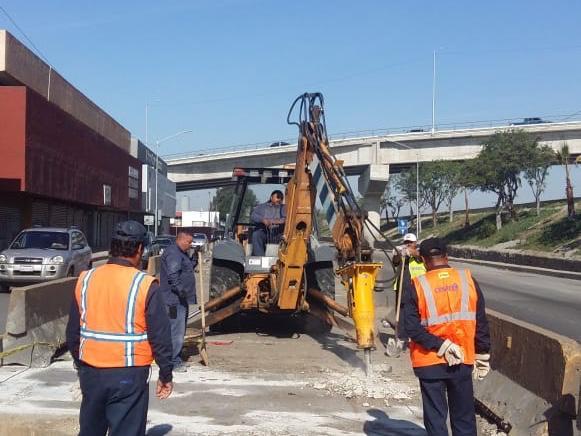 Busca CESPT solución a daños en estructura de pozo de visita del Colector Internacional