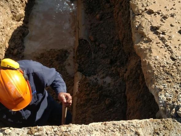 Realizan reparaciones en red de agua potable en dos zonas de la ciudad