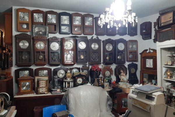 Anticuario sueña con poner un museo de antigüedades