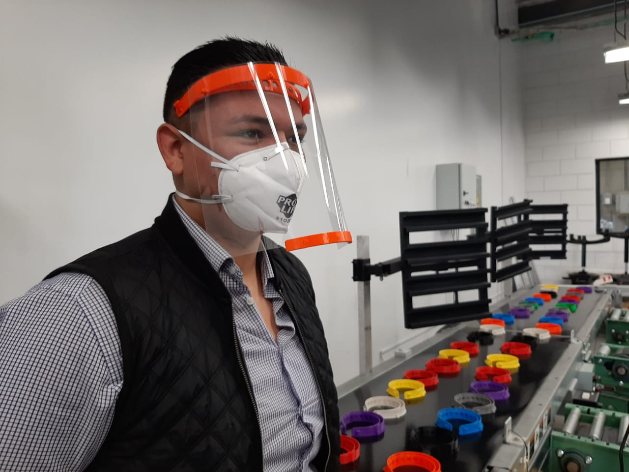 Diseñan estudiantes prototipo de careta para prevenir COVID 19