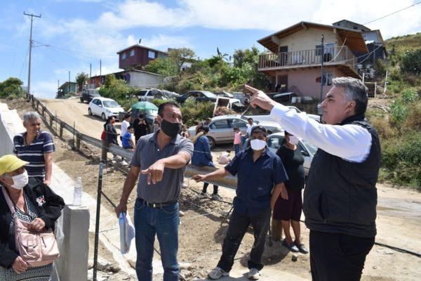Interviene Alejandro Ruiz Uribe para Liberar Paso Peatonal de Vecinos de la Sección Cantineros de Playas de Tijuana