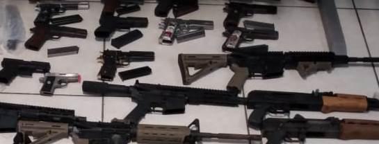 Decomisan armas en paquete de FEDEX