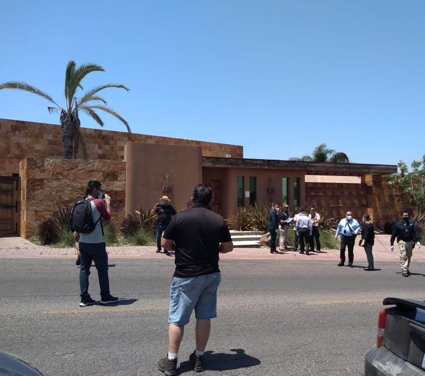 Catean casa del exgobernador Kiko Vega