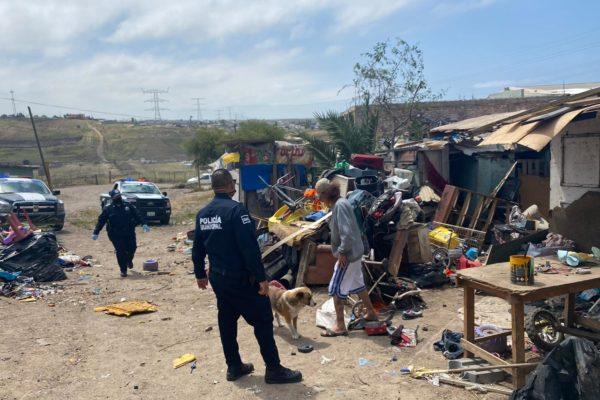 Desalojan asentamiento irregular en Rosarito