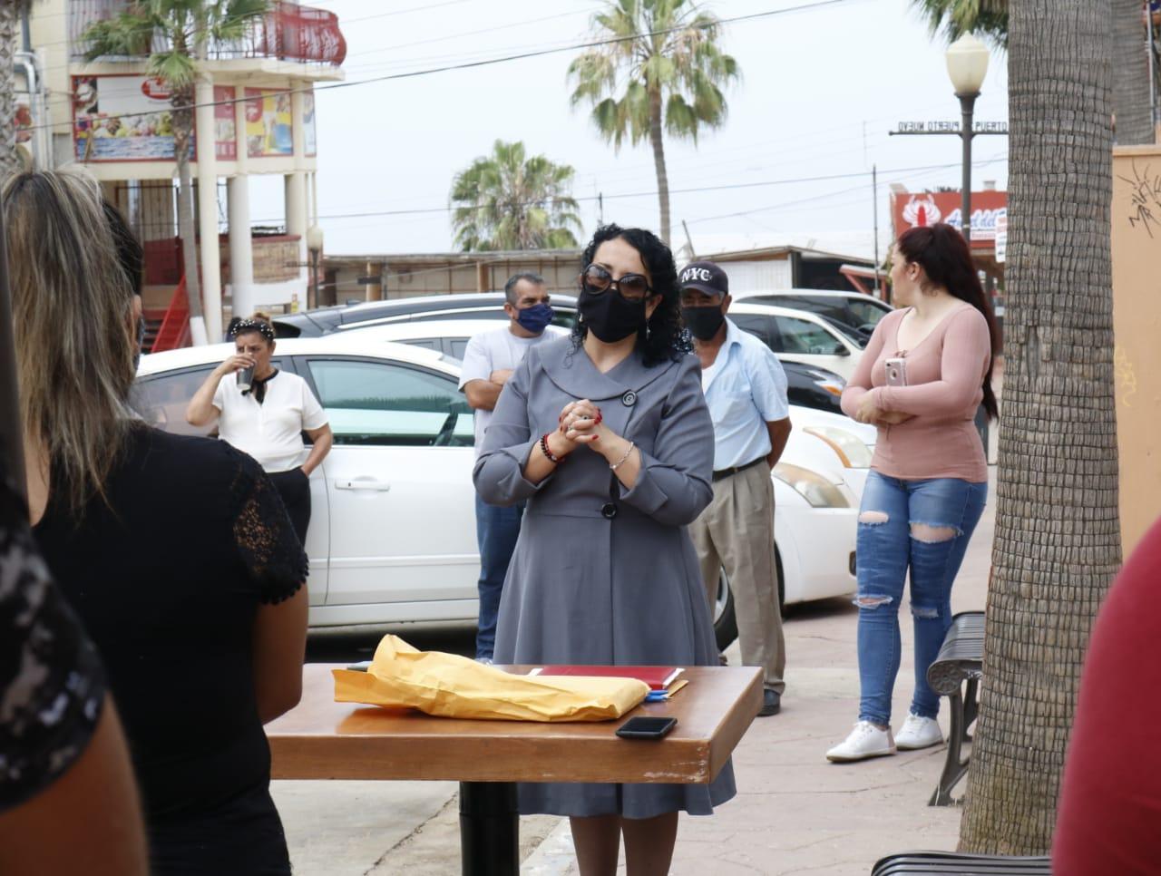 Inicia Araceli Brown trabajos con sector gastronómico ante posible reapertura de comedores