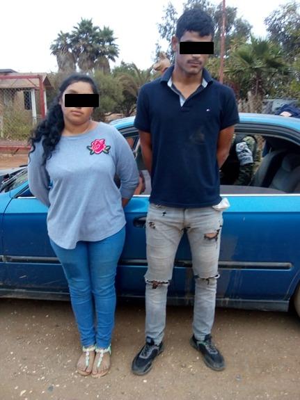 Detienen a pareja de presuntos narcomenudistas con más de 150 dosis de cristal