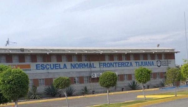 Fortalece la Escuela Normal Fronteriza la profesionalización de sus docentes