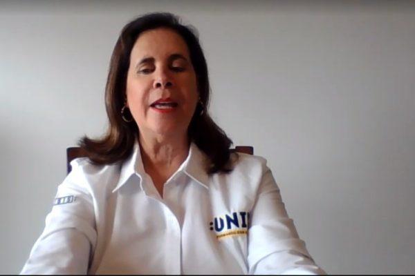 Universitarios con valores, vitales para generar el cambio social, dice rectora de la UNID