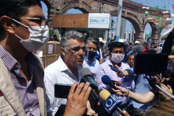 El secretario Ayón amenazó y retó a golpes a Ruiz Uribe