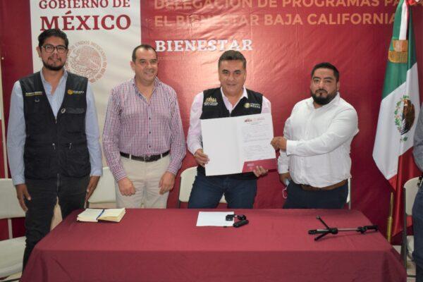 Histórico Arranque de Entrega de Certificados de Propiedad a Familias de Baja California: Ruiz Uribe