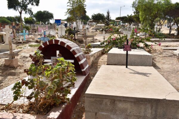 Mantendrán en Rosarito estricto operativo de control de ingreso a panteón durante día de muertos