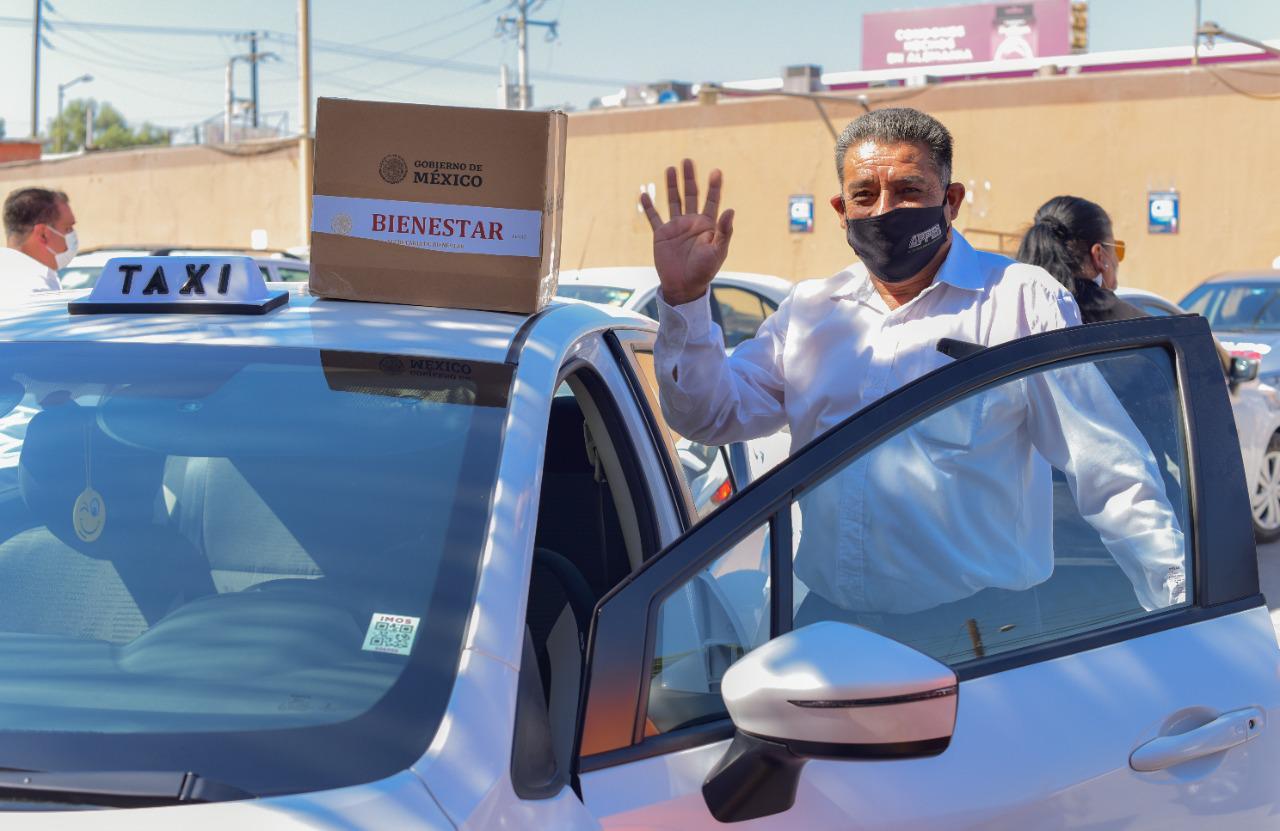 Taxistas del Aeropuerto Reciben Apoyos Alimenticios, Tandas para el Bienestar y Créditos a la Palabra