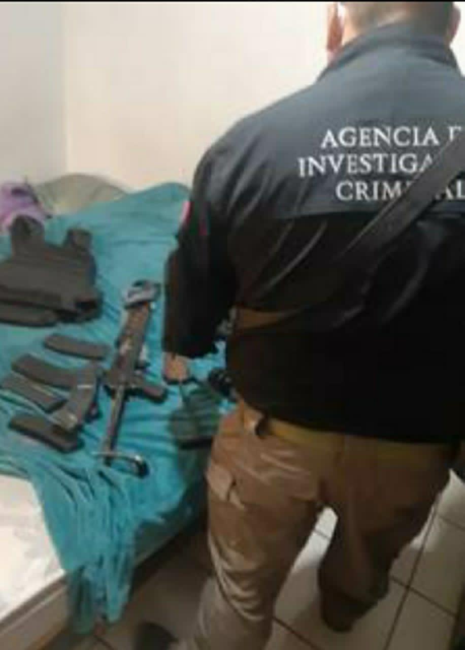 Ejecutan 51 cateos, detiene a más de 50 personas y asegura diversas sustancias, armas, cartuchos e hidrocarburo