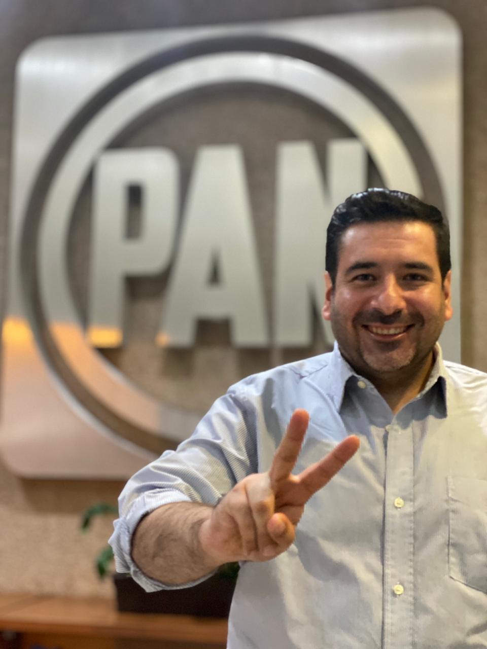 Va David Camacho por el Distrito 8 del PAN