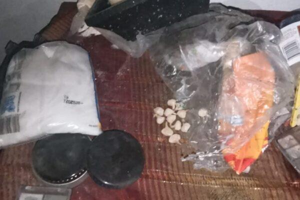 Durante cateo confiscan droga