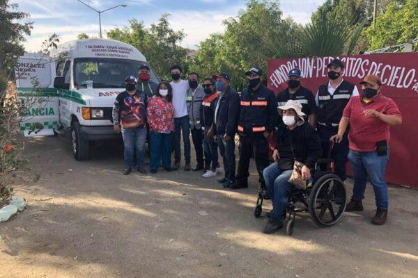 Gremio de comerciantes 7 de Enero dona ambulancia a residentes de Villas del Campo