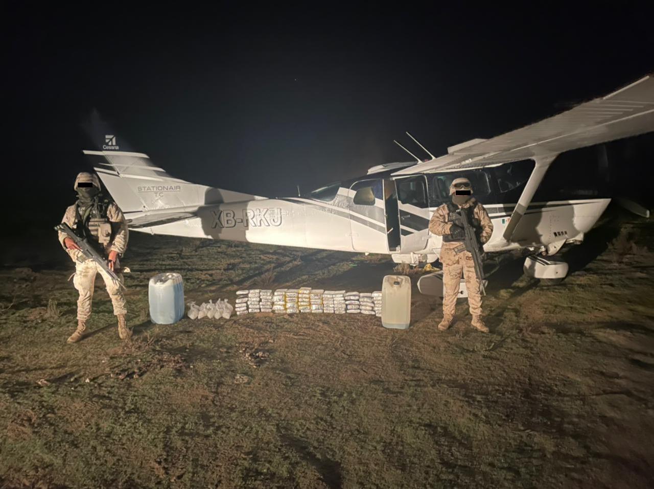 Narcos abandonan avioneta con cargamento de más de 36 MDP de fentanilo