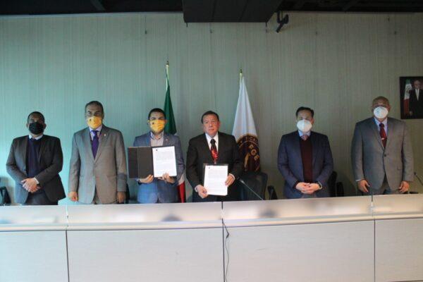 Firman convenio FGE y Sector Salud para atención médica a alumnos de Preparatoria Militarizada