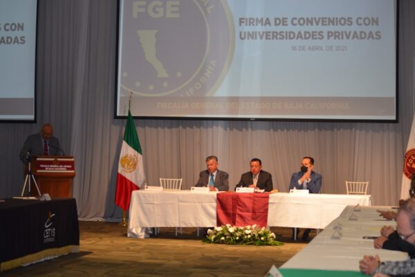 Fiscal General firma convenio de colaboración con universidades privadas de BC