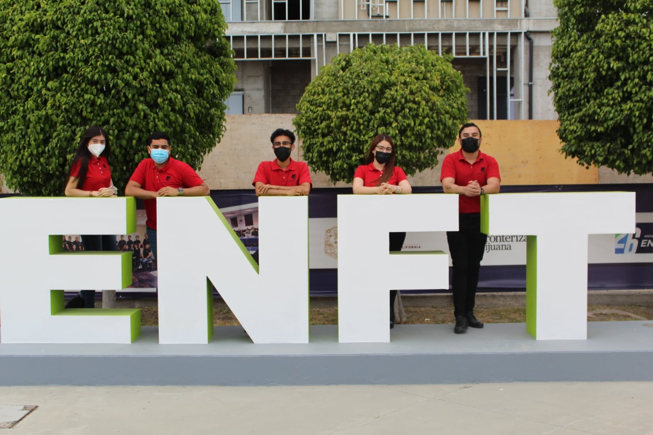 Mejora en la pandemia aprendizaje del idioma inglés en futuros docentes de la ENFT