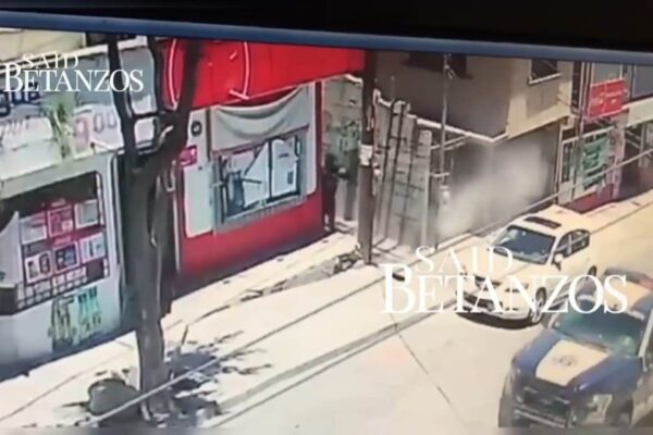 Atacan a balazos patrulla de la policía municipal en la 3 de Octubre