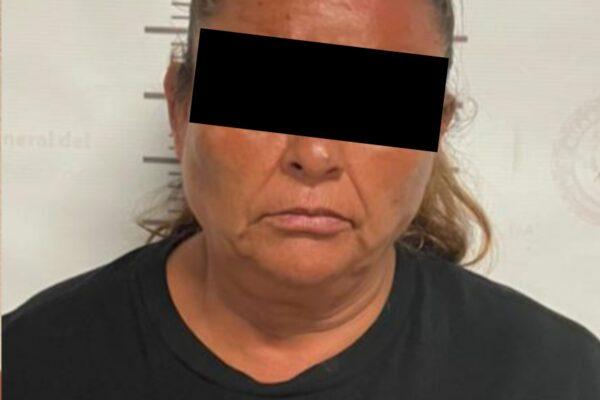 Detienen a dos mujeres presuntas narcomenudistas