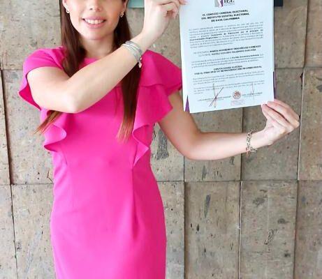 Recibe  Monse Rodríguez constancia como diputada local