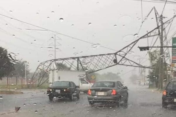 Se recupera suministro eléctrico al 95% de usuarios afectados en Baja California y Sonora por fuertes lluvias