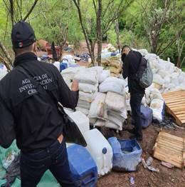 En 33 cateos decomisan más de media tonelada de diferentes drogas y detienen a 50 presuntos narcos
