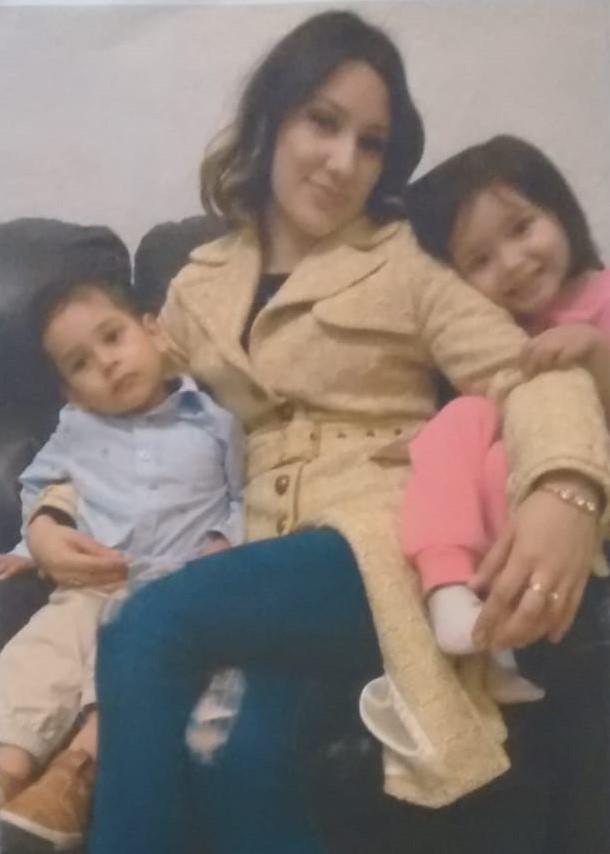 Buscan a joven mujer que desapareció junto con sus hijos de 4 y 2 años